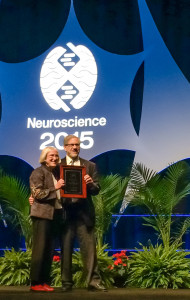 Dr. Story Landis receiving Gerard Prize from Dr. Steven Hyman, President of the  Society for Neuroscience